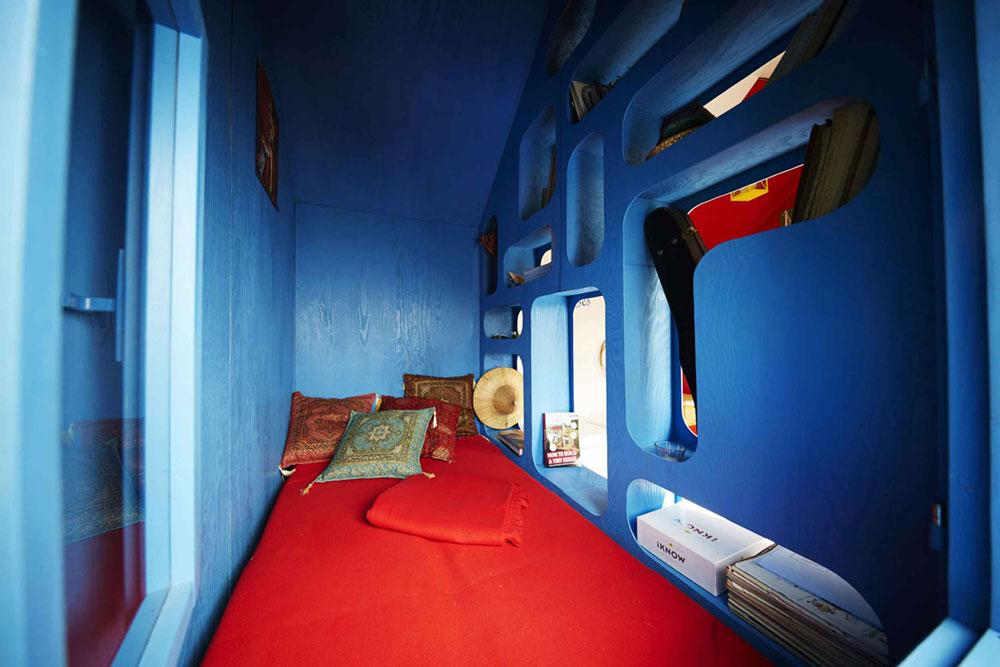tiny-prefab-cabin-france-5