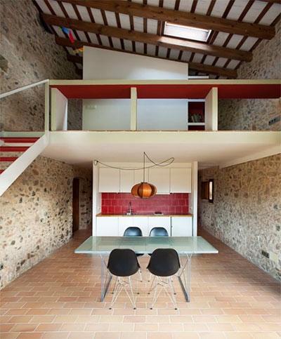 tiny-stone-house-pallissa-2