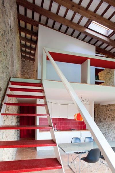 tiny-stone-house-pallissa-3