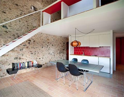 tiny-stone-house-pallissa-4