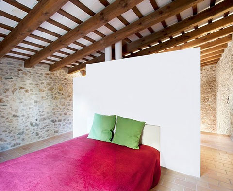 tiny stone house pallissa 6 - La Pallissa House: a tiny stone walled world
