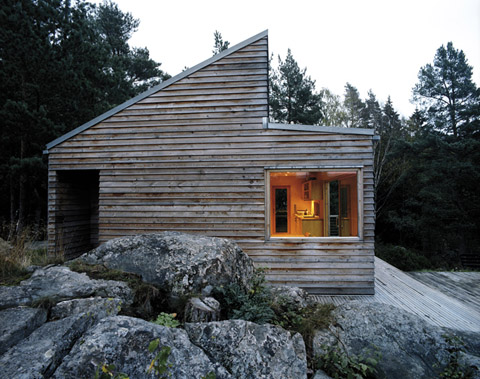tiny-wood-cabin-w35