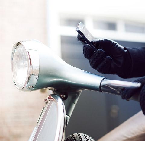 touchscreen-gloves-mujjo3
