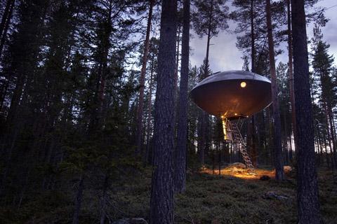 tree-hotel-ufo