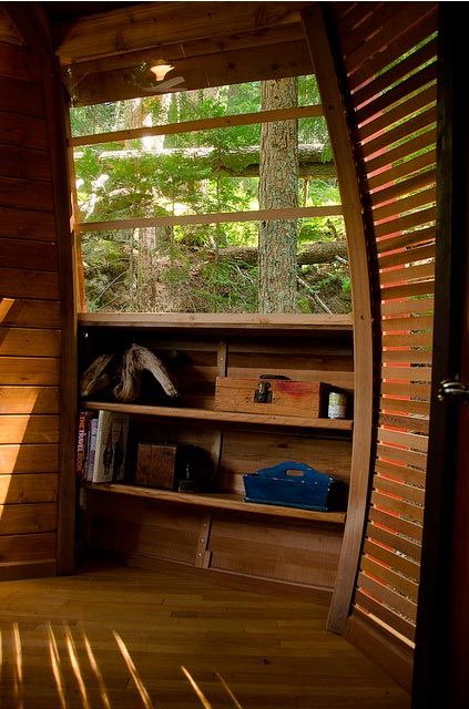 The Hemloft An Egg Shaped Treehouse Treehouse Design