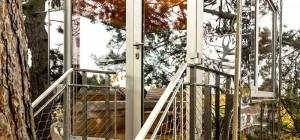 treehouse design mirror br 300x140 - Mirror Cube