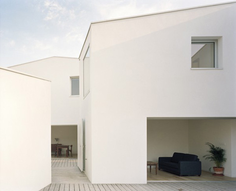 two-houses-studios-raum