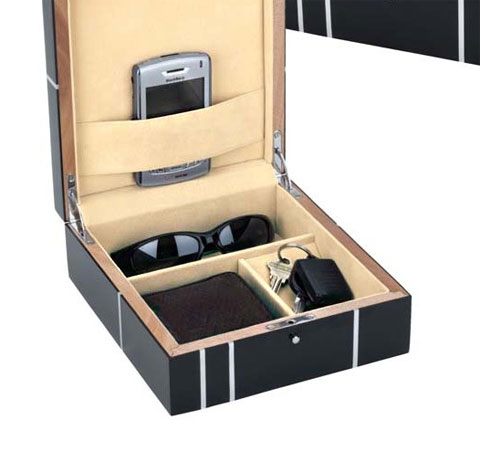 valet chest metropolitian 2 - Metropolitian Men's Jewelry Valet Chest: Keep it Safe