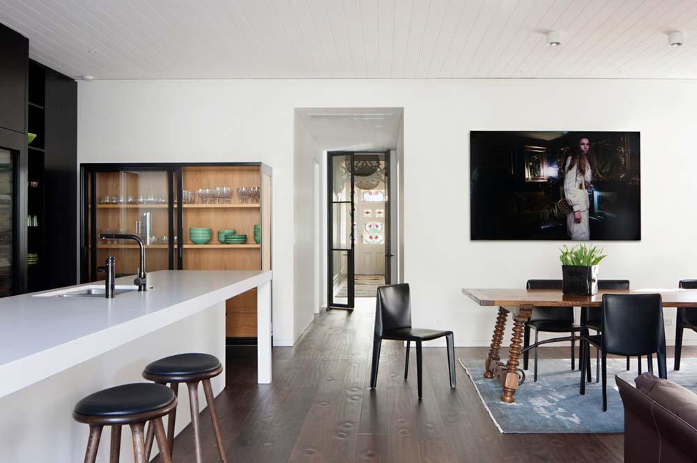 Renovated victorian terrace house w studio garden in for Victorian terrace dining room ideas