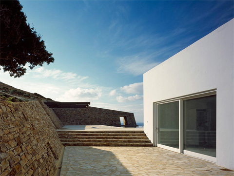 villa-greece-cliffhanger7