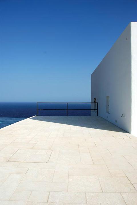 Beautiful coastal home in Antiparos island, Greece