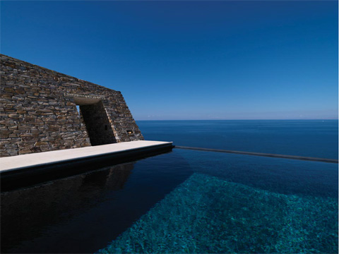 villa-greece-cliffhanger9