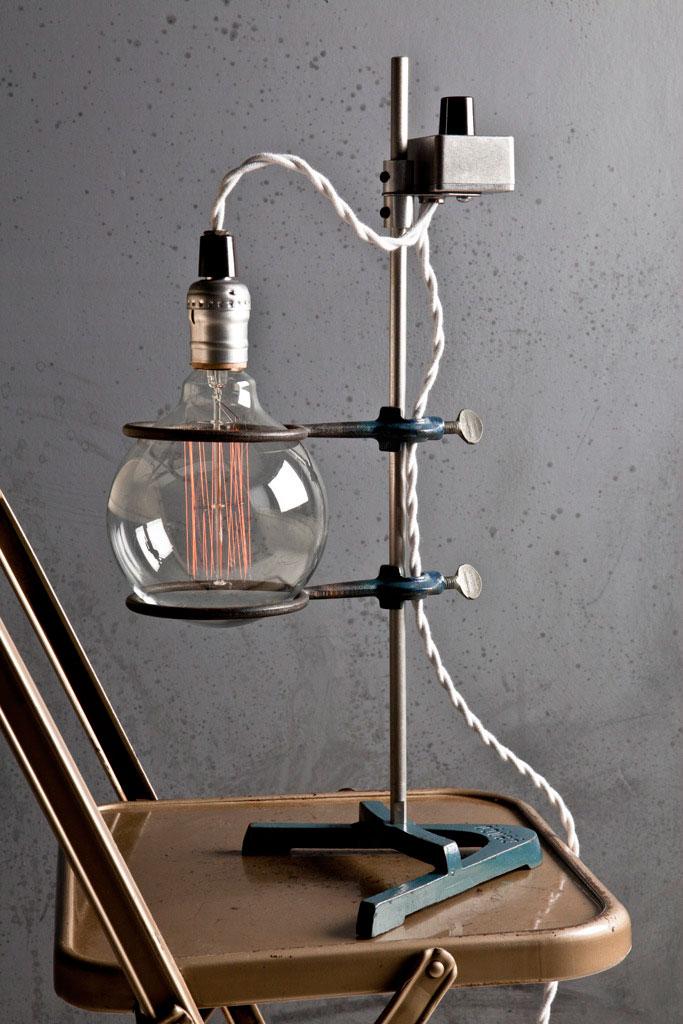 vintage-lamp-flatbroke