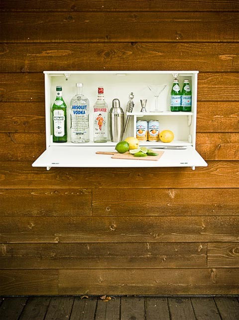 wall-mounted-bar-wallbanger