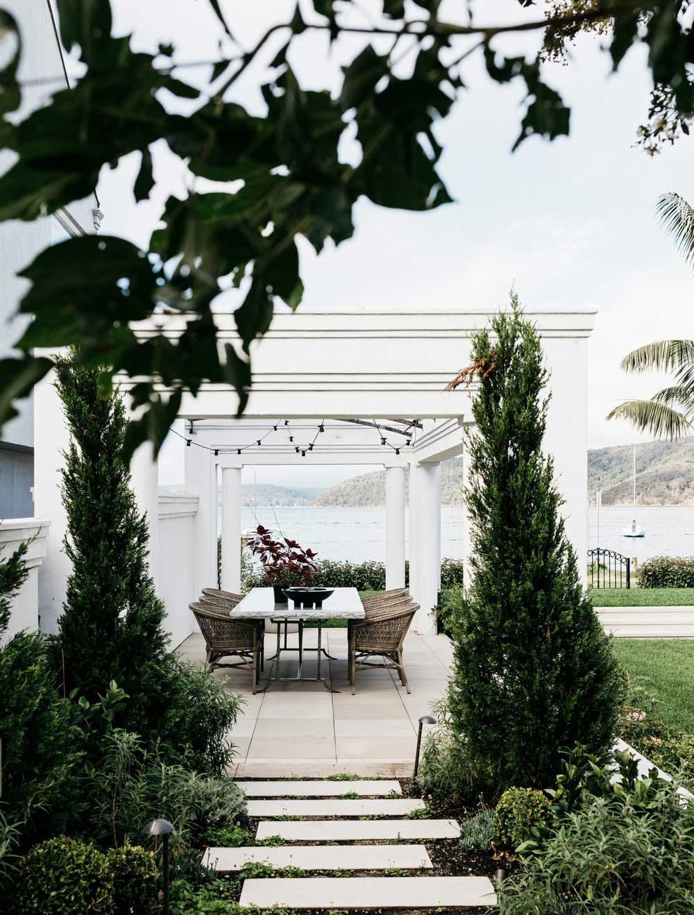 waterfront holiday villa outdoor design - Palm Beach Project