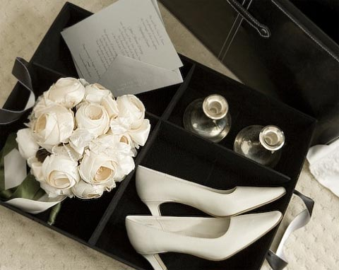 wedding keepsake chest 2 - Keepsake Storage Chests: Holding On To Memories