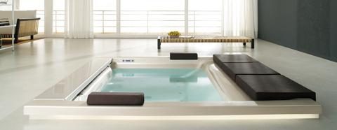 whirlpool-bathtub-seaside