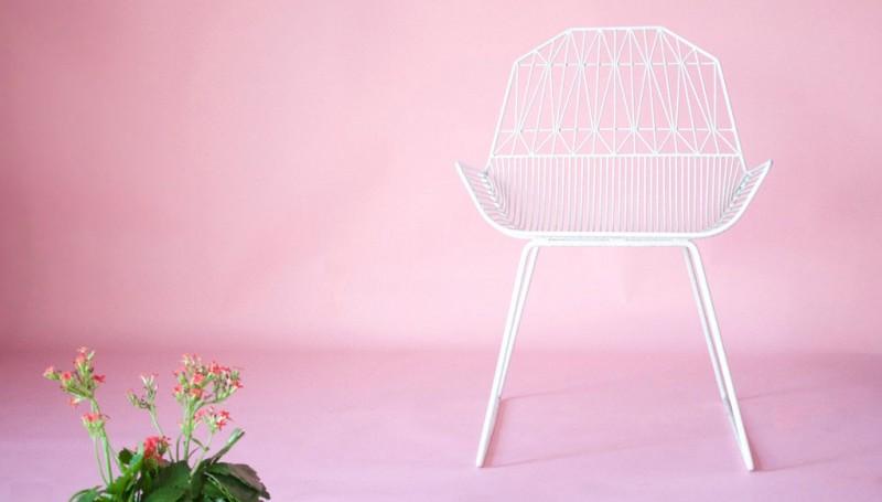 wire lounge chair 5 800x455 - Farmhouse Lounge Chair