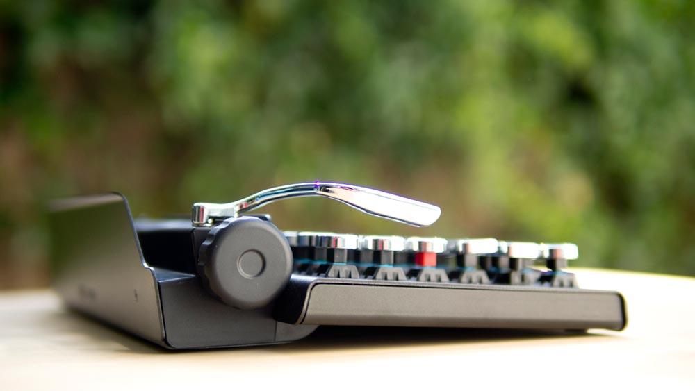 wireless mechanical keyboard 2 - Qwerkywriter