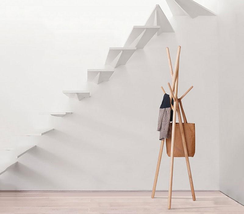 wooden-hangers-nude
