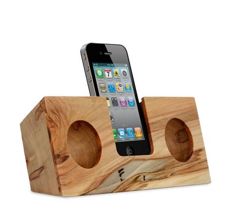 wooden-iphone-speaker-koostik